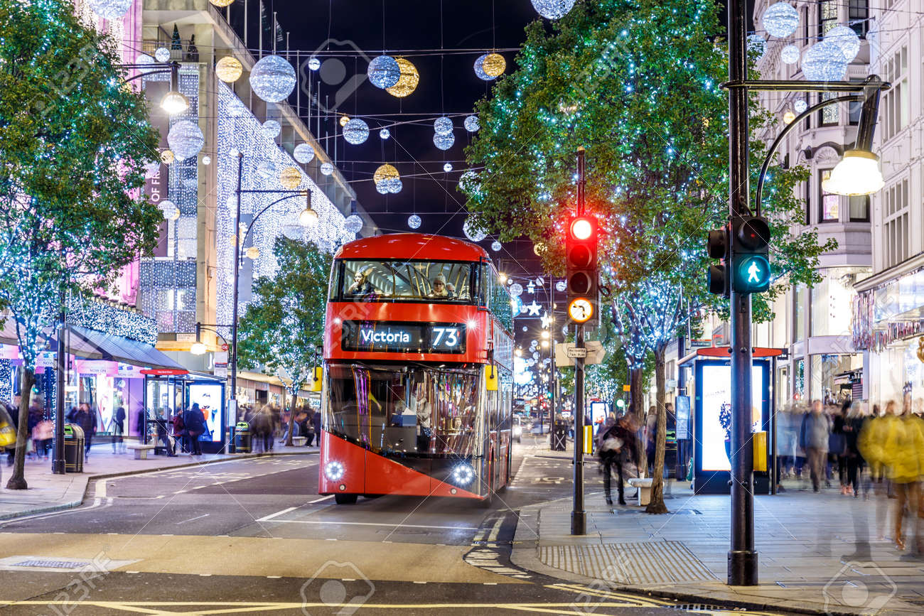 Oxford Street Weihnachtsbeleuchtung.Christmas Lights 2016 On Oxford Street London England