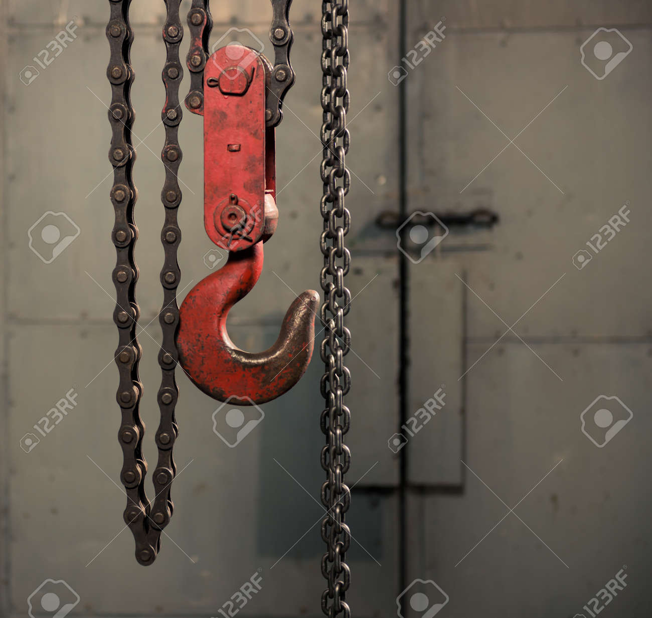 handle metallic chain with red hook - 116678587