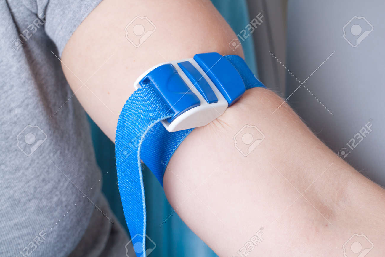 Real drawing blood procedure in medical laboratory Stock Photo - 14122033