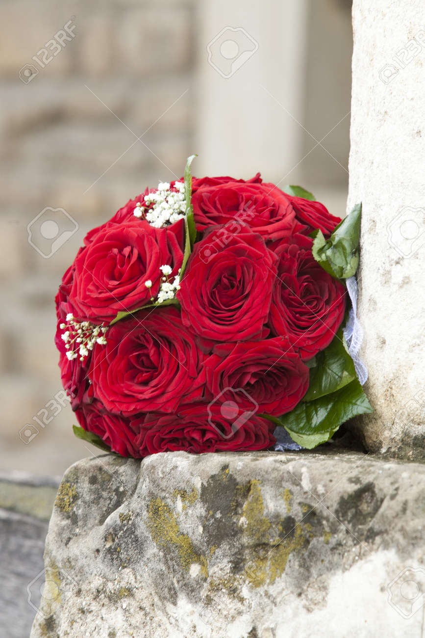 Beautiful Red Roses Wedding Flowers Bouquet Selective Focus Stock ...