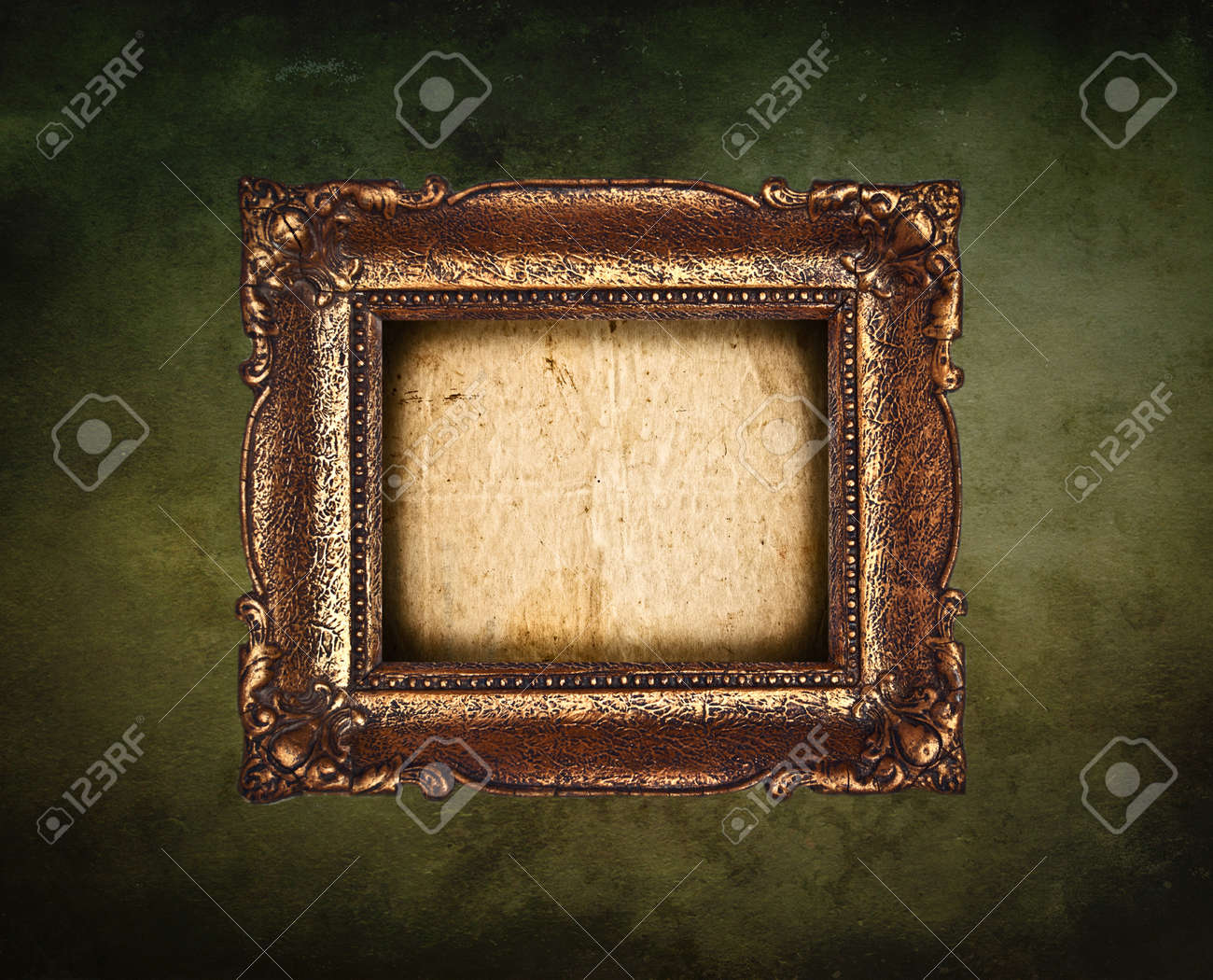 Antique picture frame on grunge wall Stock Photo - 11699917