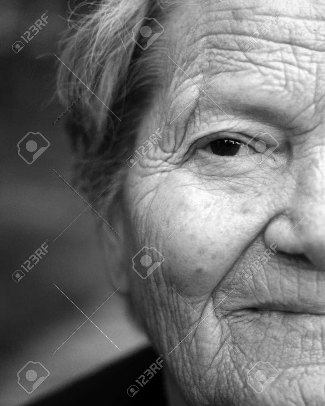 Close up portrait of older lady - 29366522