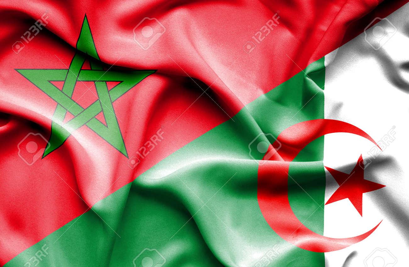 Algerie Drapeau agitant le drapeau de l'algérie et le maroc banque d'images et