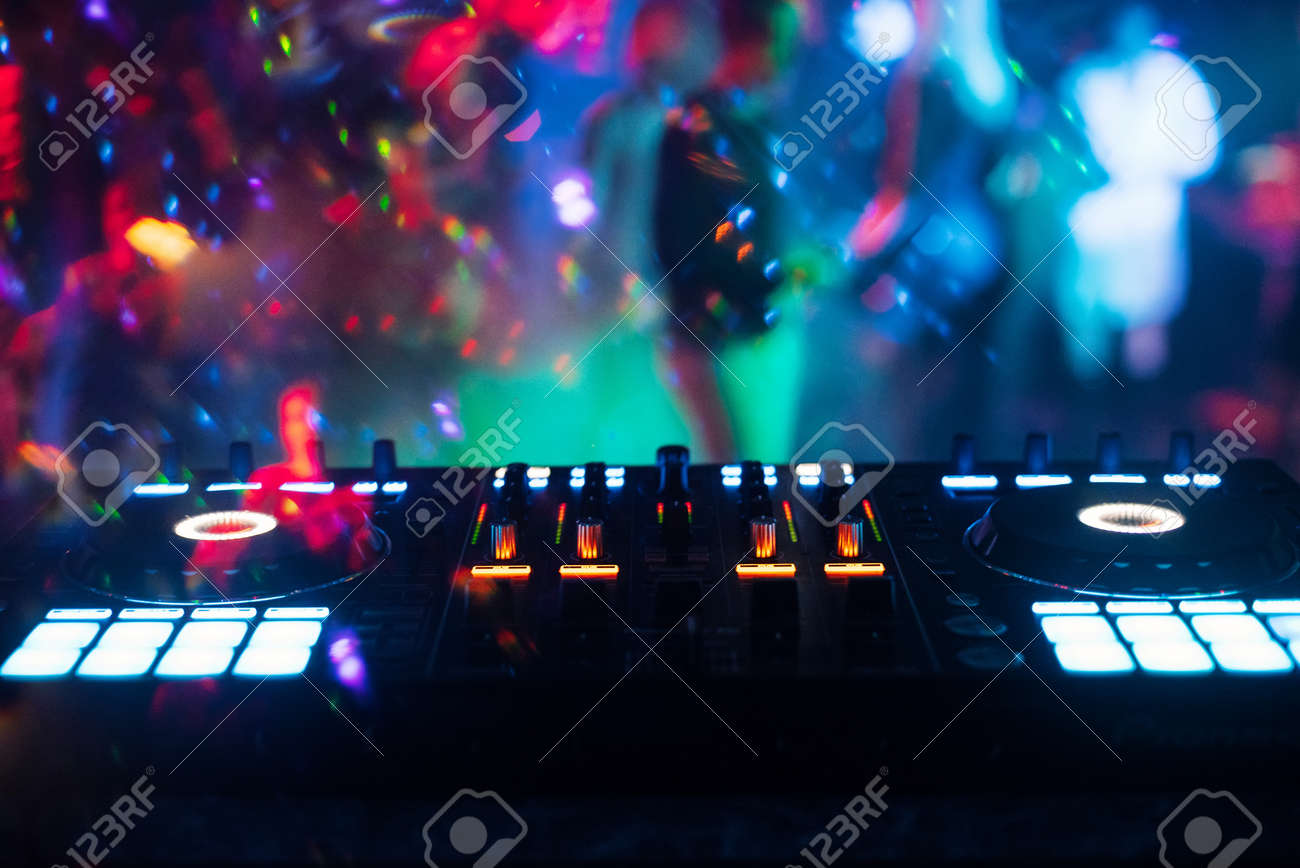 music mixer DJ controller Board for professional mixing of electronic music - 157010007