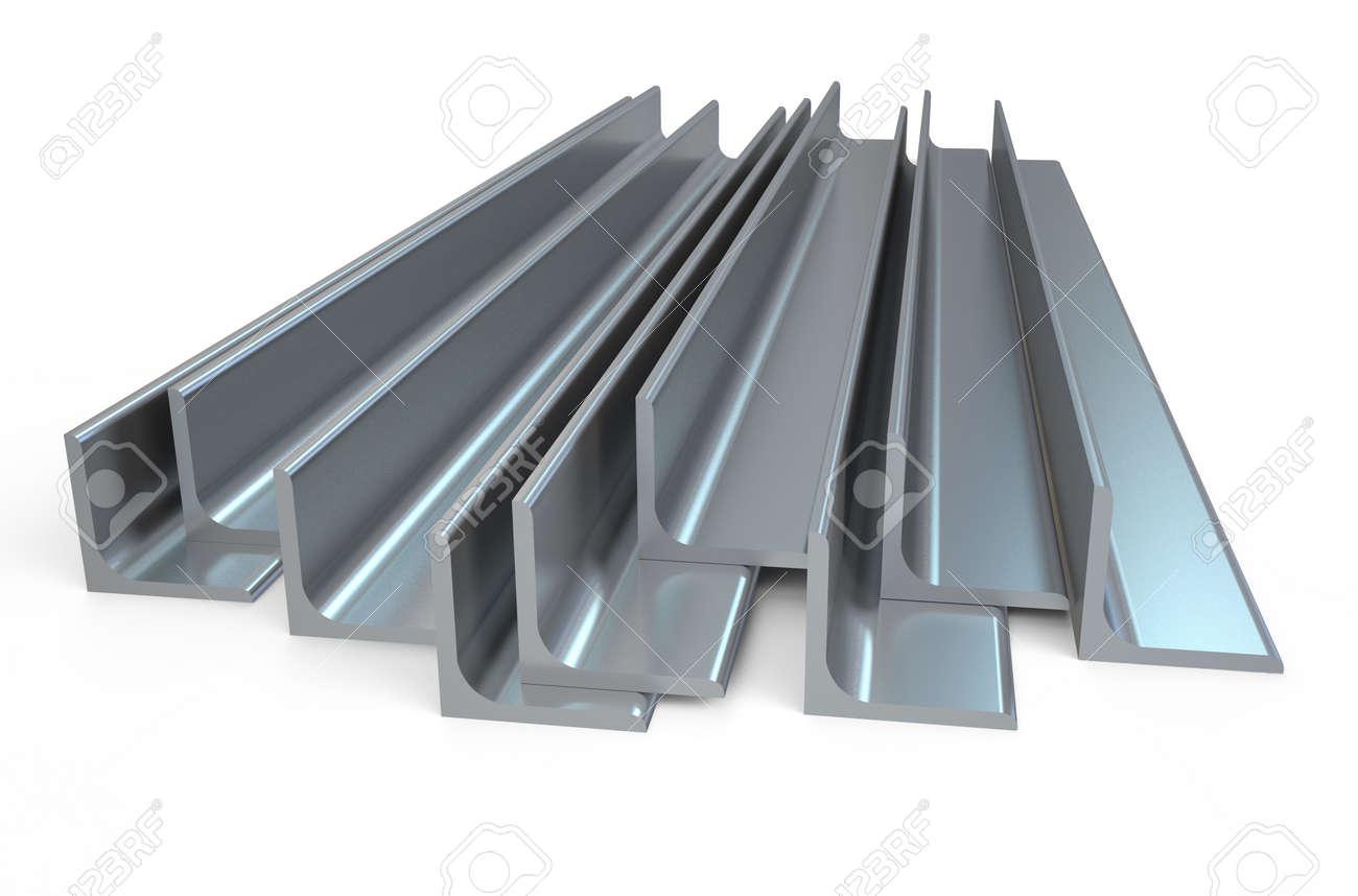 光沢のある圧延金属 l バー 白い背景で隔離の角度 ロイヤリティーフリー