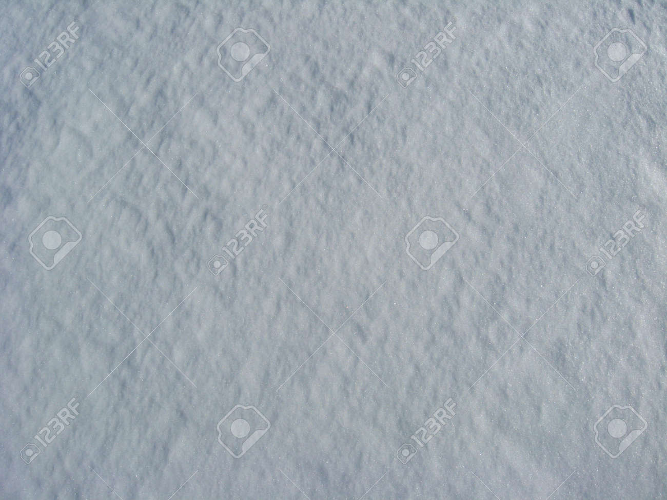 Thick layer of a white snow Stock Photo - 13277650