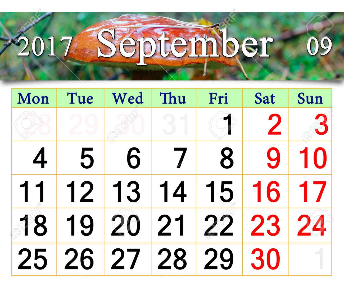 Calendario Funghi.Calendario Per Ottobre 2017 Con Il Nastro Di Funghi Boletus Badius