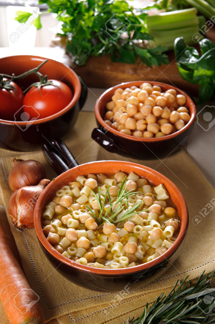 Pasta and Chickpeas Stock Photo - 15853080