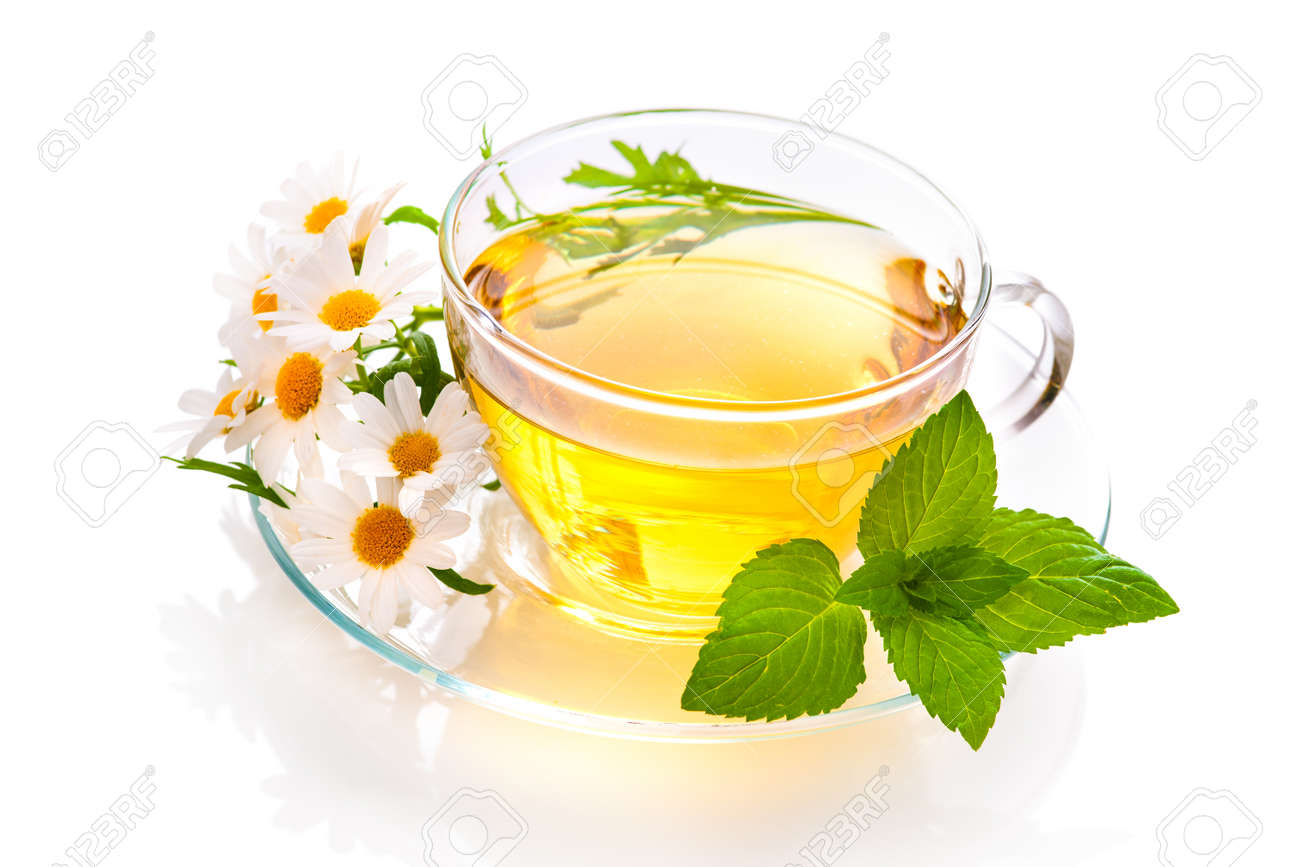 Herbal tea with chamomile and fresh mint leaves - 36370738