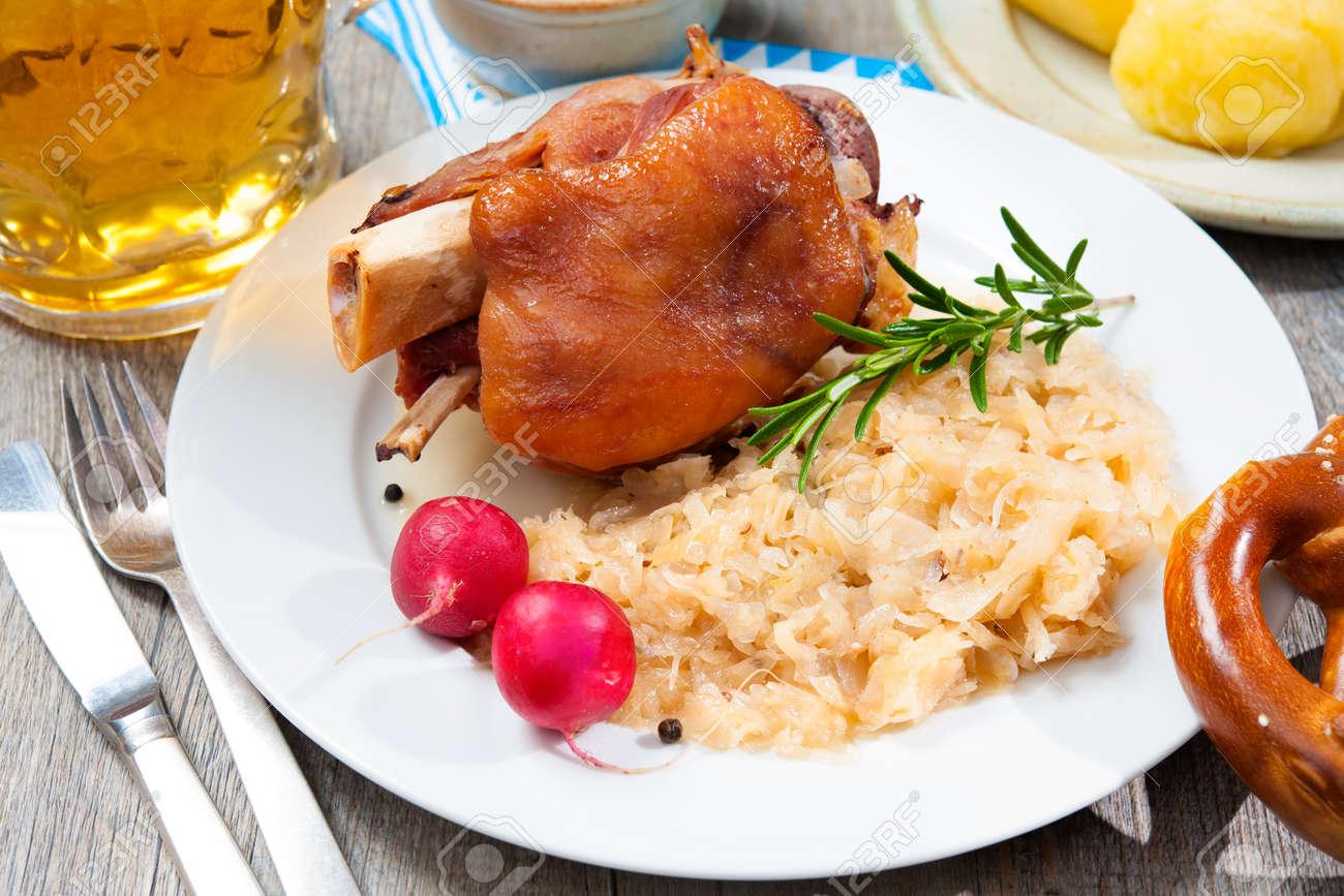 Schweinshackse Schweinshaxe (Roasted