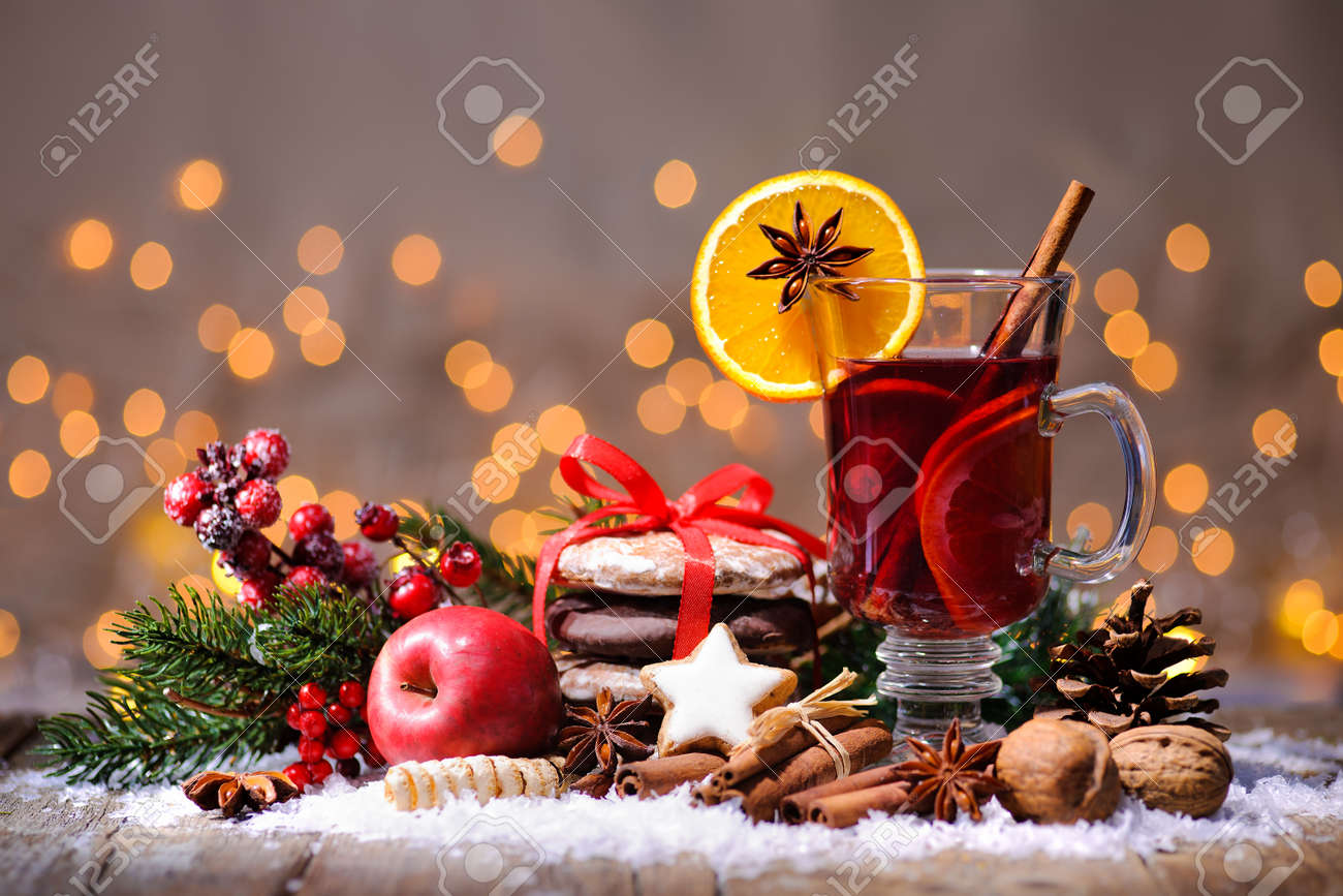 Christmas mulled wine with oranges and spices Stock Photo - 48523951