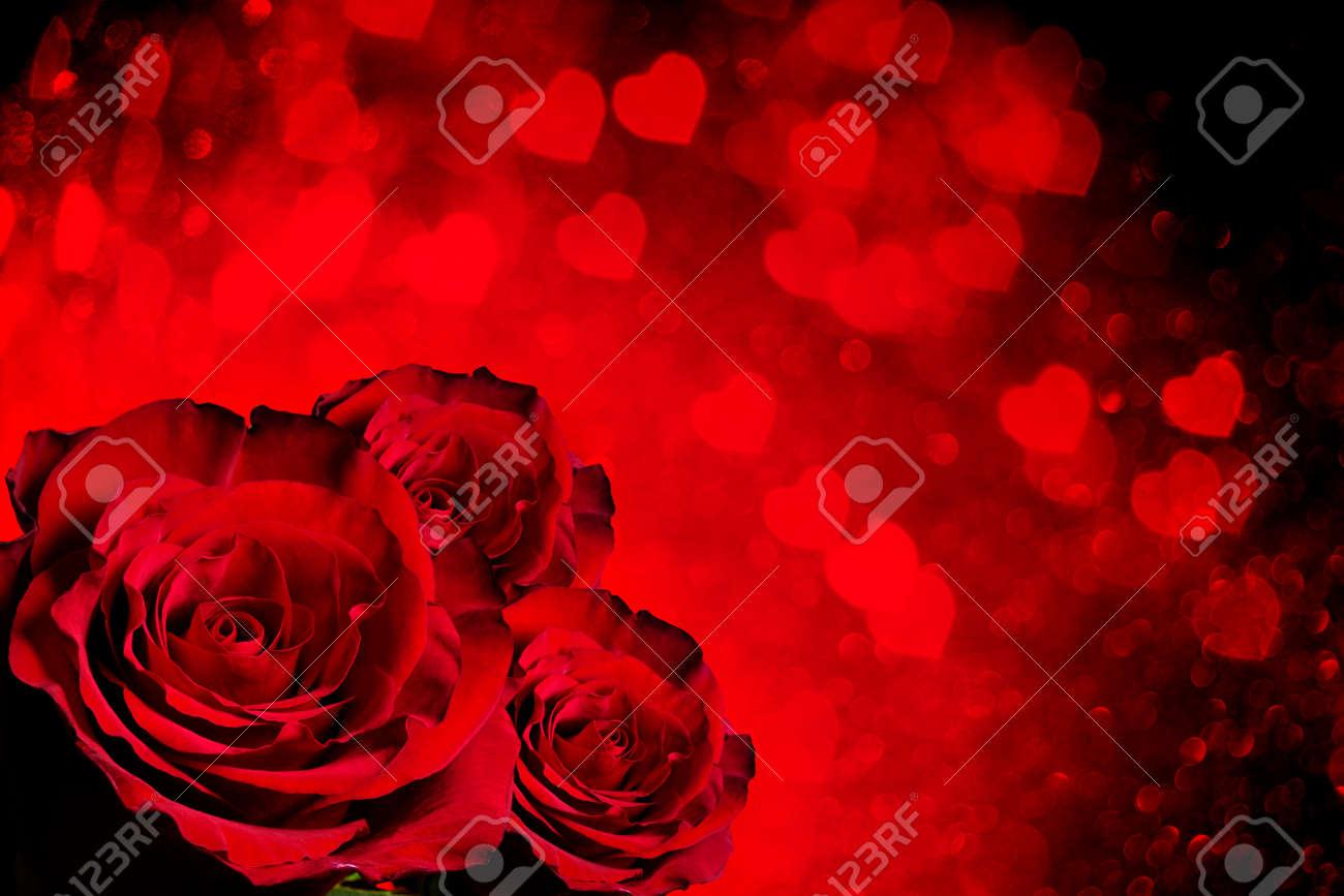 fondo del da de san valentn con rosas y corazones foto de archivo 50773417