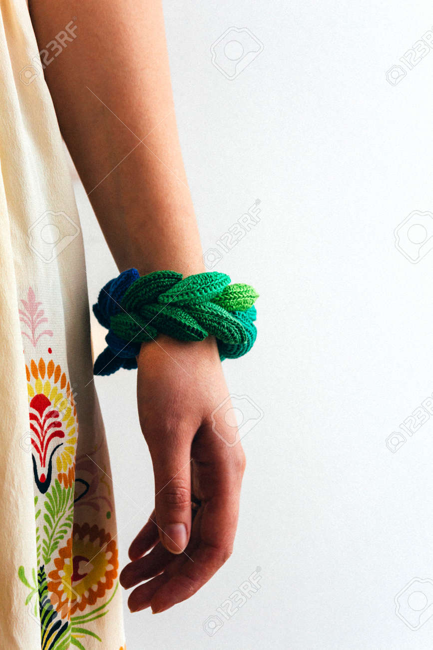 Atractivo Patrón De Crochet Libre Pulsera Brazalete Imagen - Ideas ...