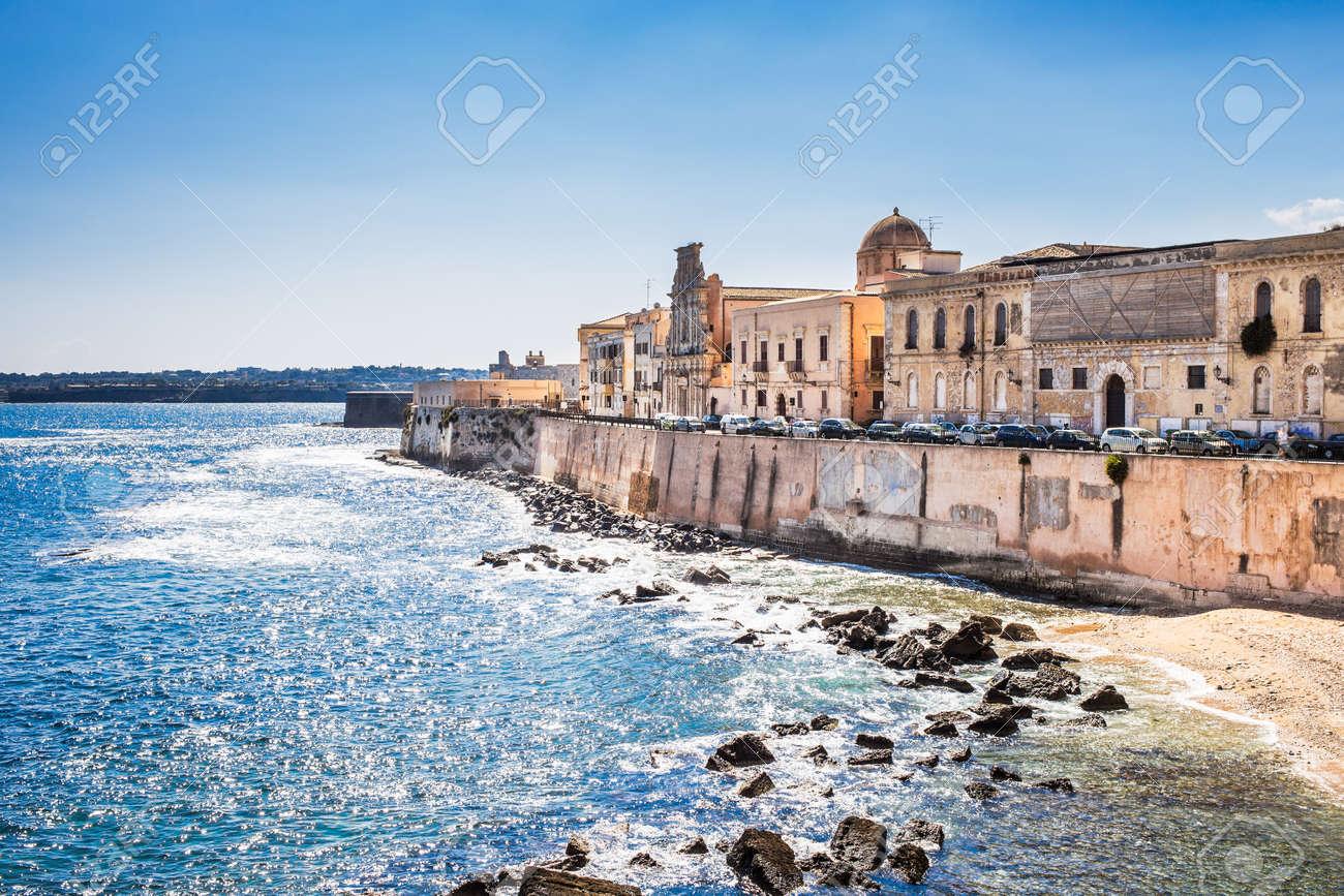 シチリア島シラクーサ村の風景。イタリア。 の写真素材・画像素材 ...