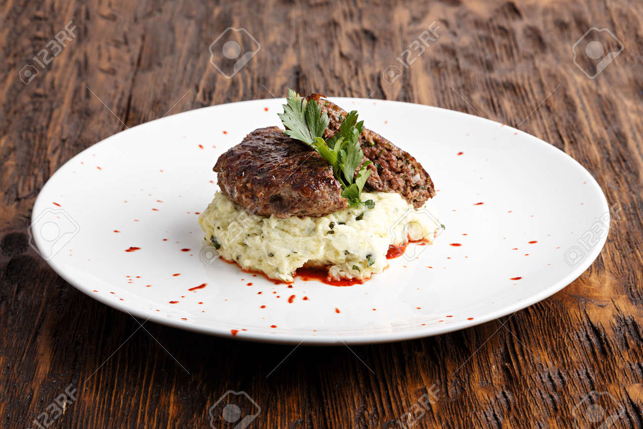 Elk meat cutlets: how to cook 62