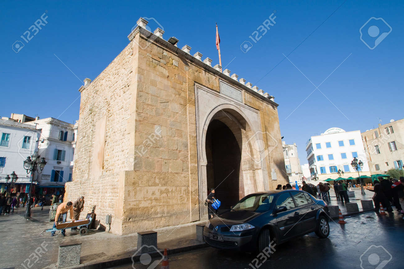 Bab el Bhar  Porte de  France or Sea Gate  in Tunis, Tunisia Stock Photo - 12943394