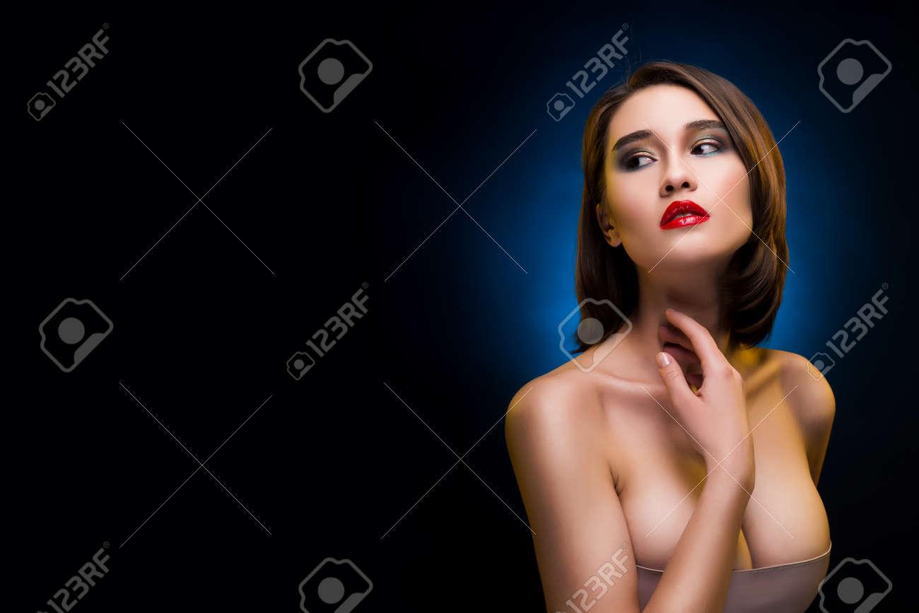 verna farmiga nude