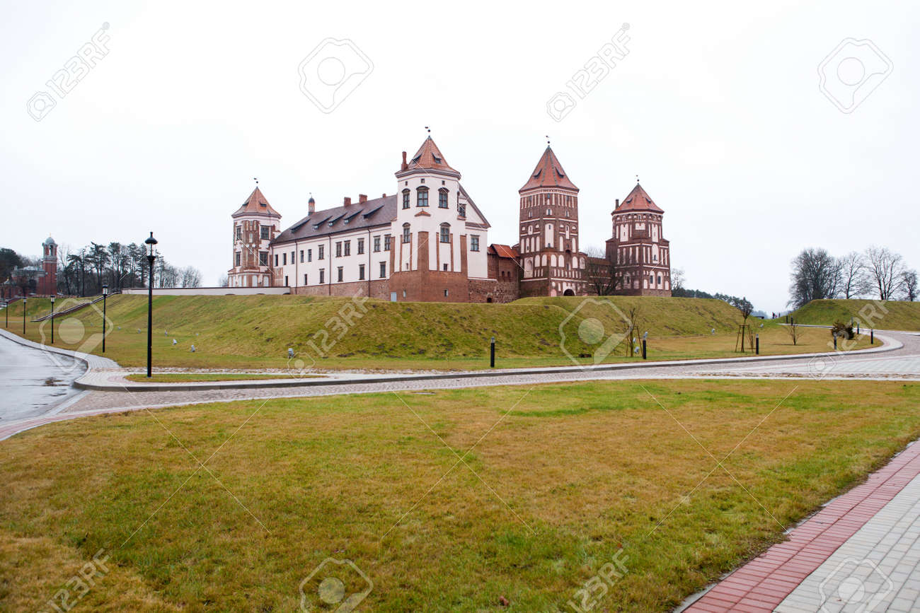 Grand view to Castle of Mir Belarus Stock Photo - 17436582