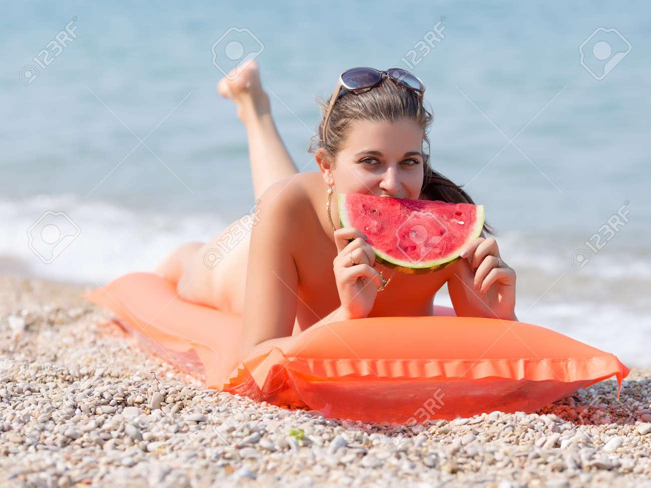 Pinksex Girl Eating Girl Action Naked