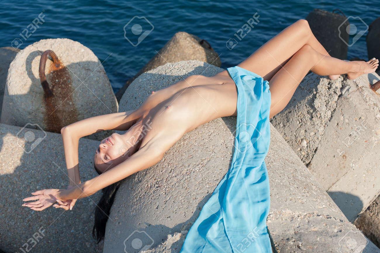 Wet n naked ladies