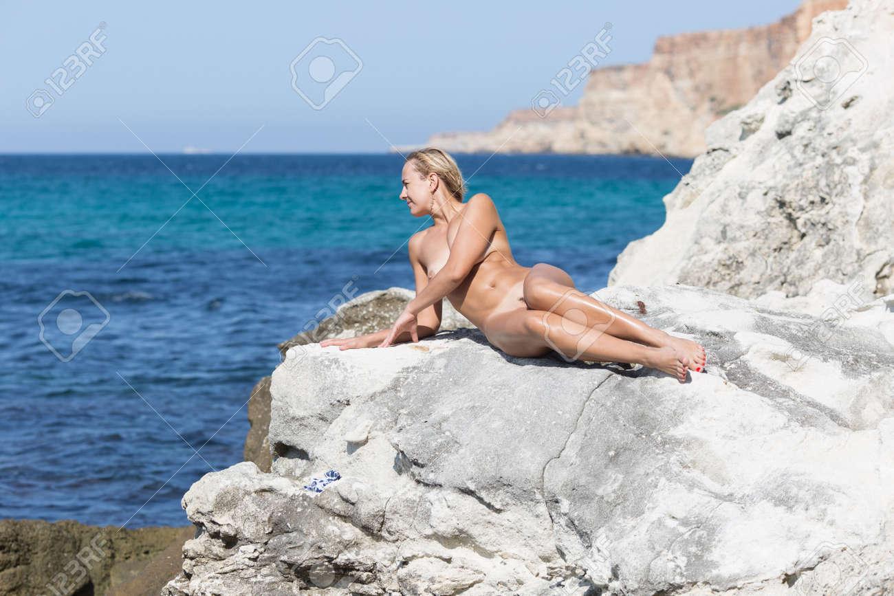 Narrow waist wide hip lesbians nude women
