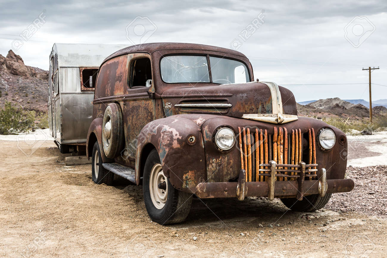 NELSON , USA - JUNE 10 : Old Rusty Truck And Old Caravan In Nelson ...