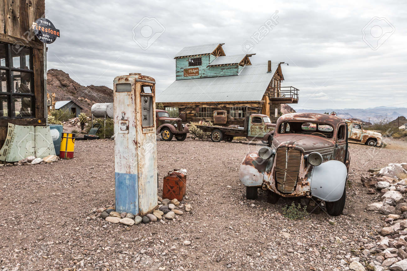 NELSON , USA - JUNE 10 : Old Vintage Gas Station House And Rusty.. Stock  Photo, Picture And Royalty Free Image. Image 54987195.