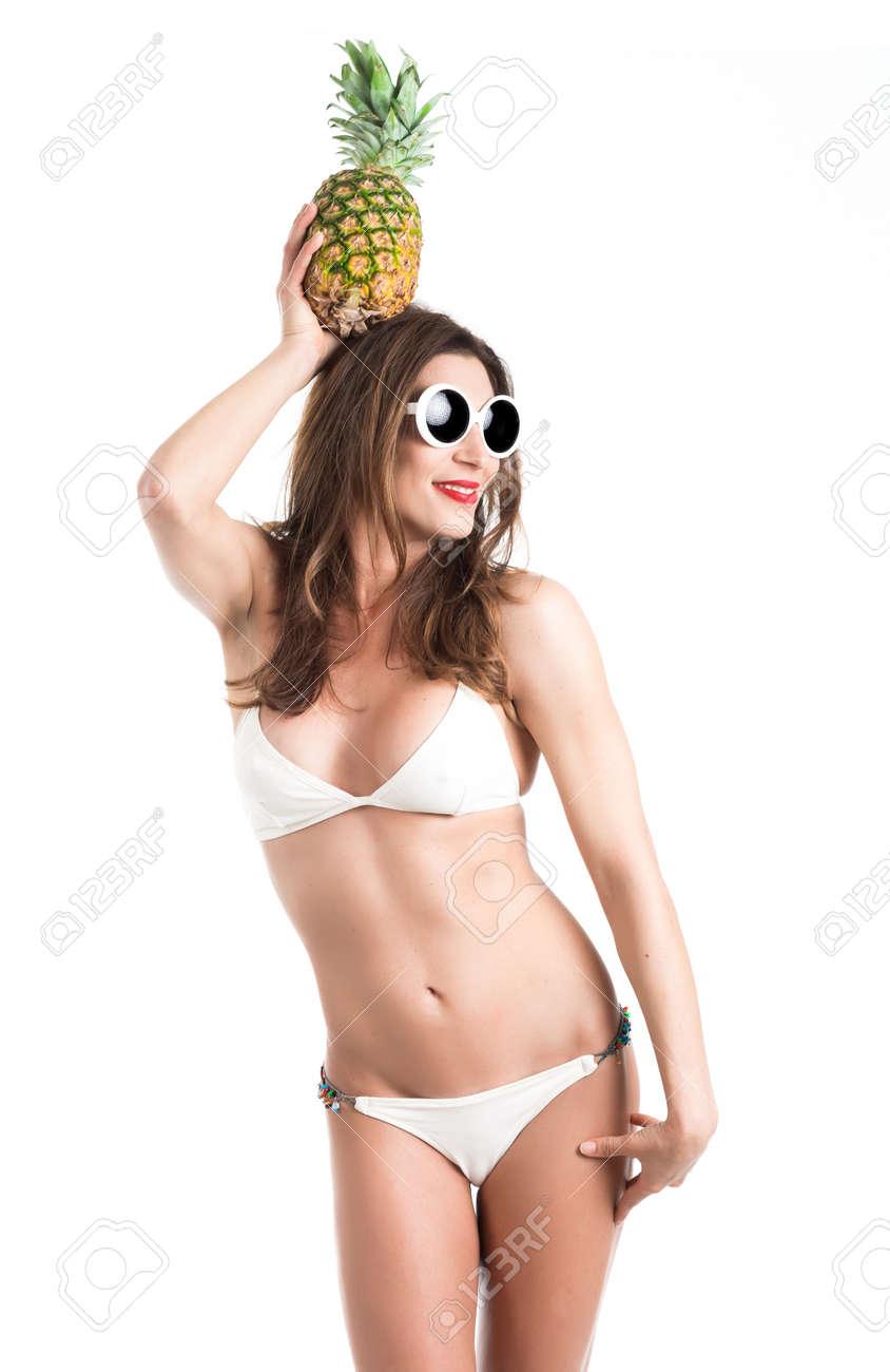 Bonne Bikini De Jeune Femme Santé En Blanc Portrait Et Belle SPZOxwSX