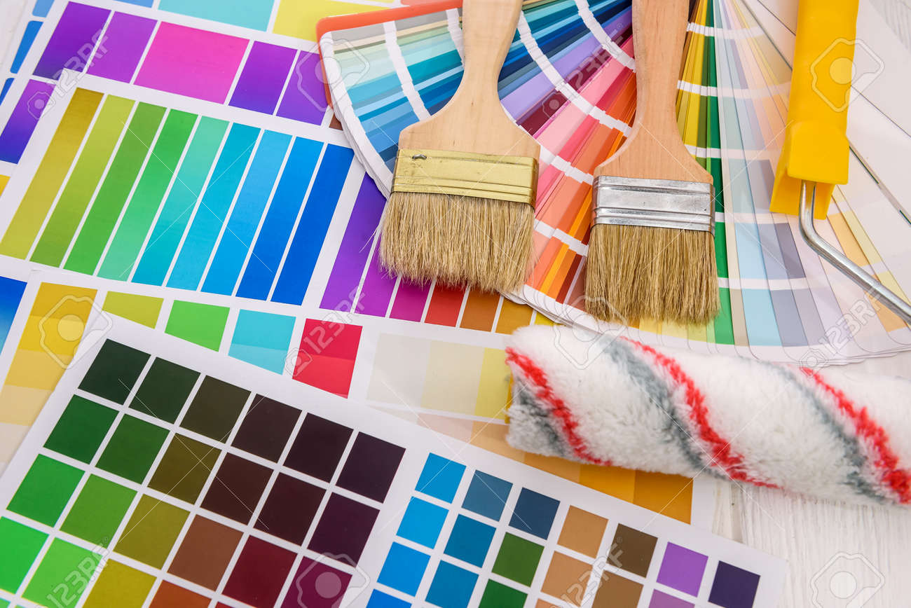Color palettes with brush and roller close up - 166816498