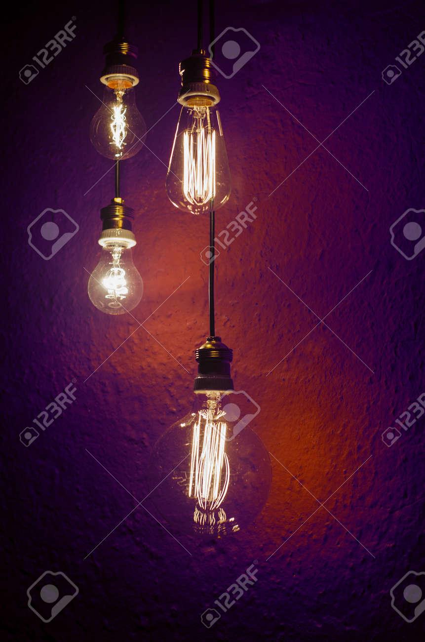 Vintage Stil Incadescent Glühbirnen. Old Style Beleuchtung Standard Bild    38692128