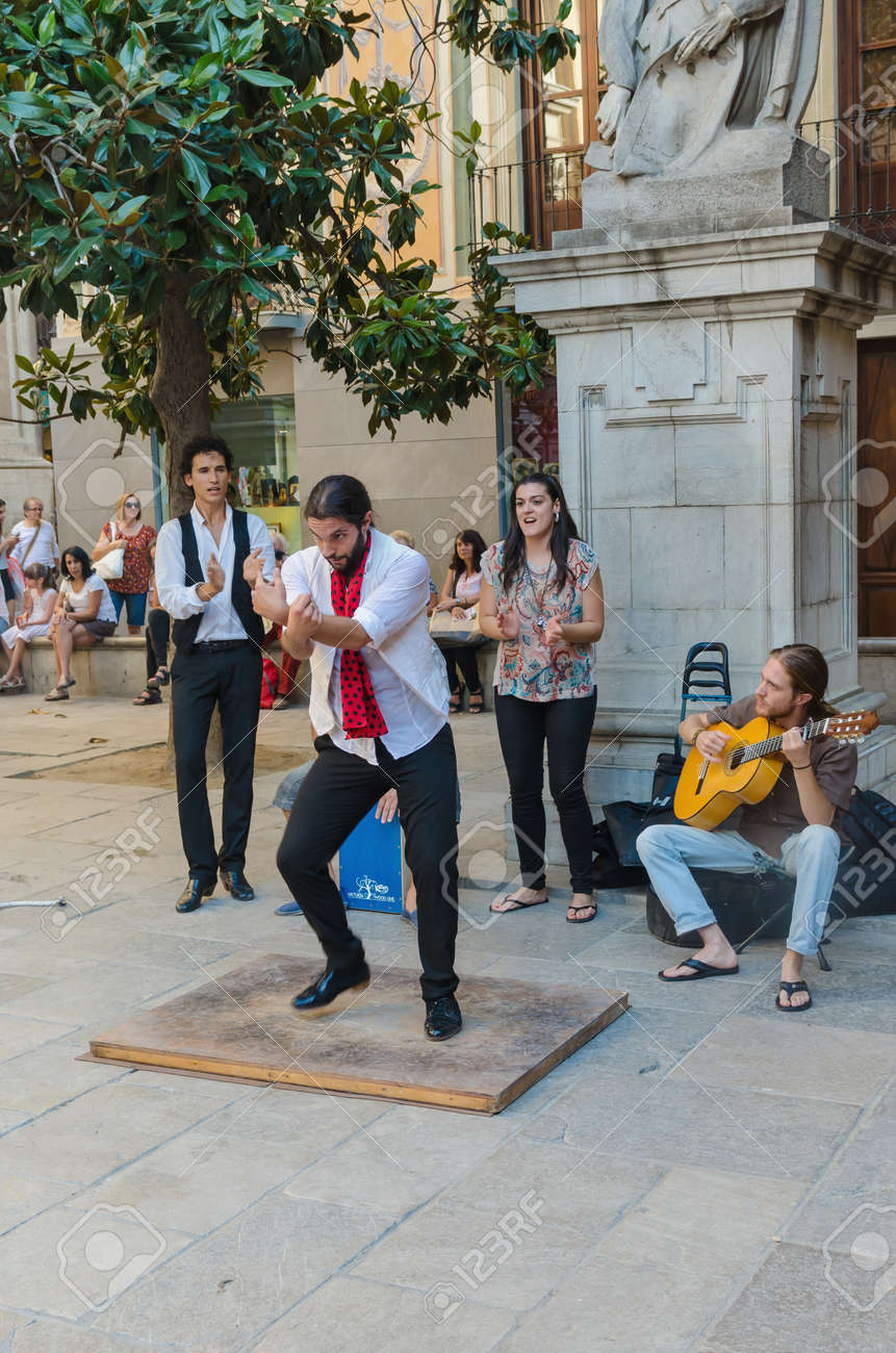 GRANADA, SPAIN - SEPTEMBER 9: A group of flamenco performers