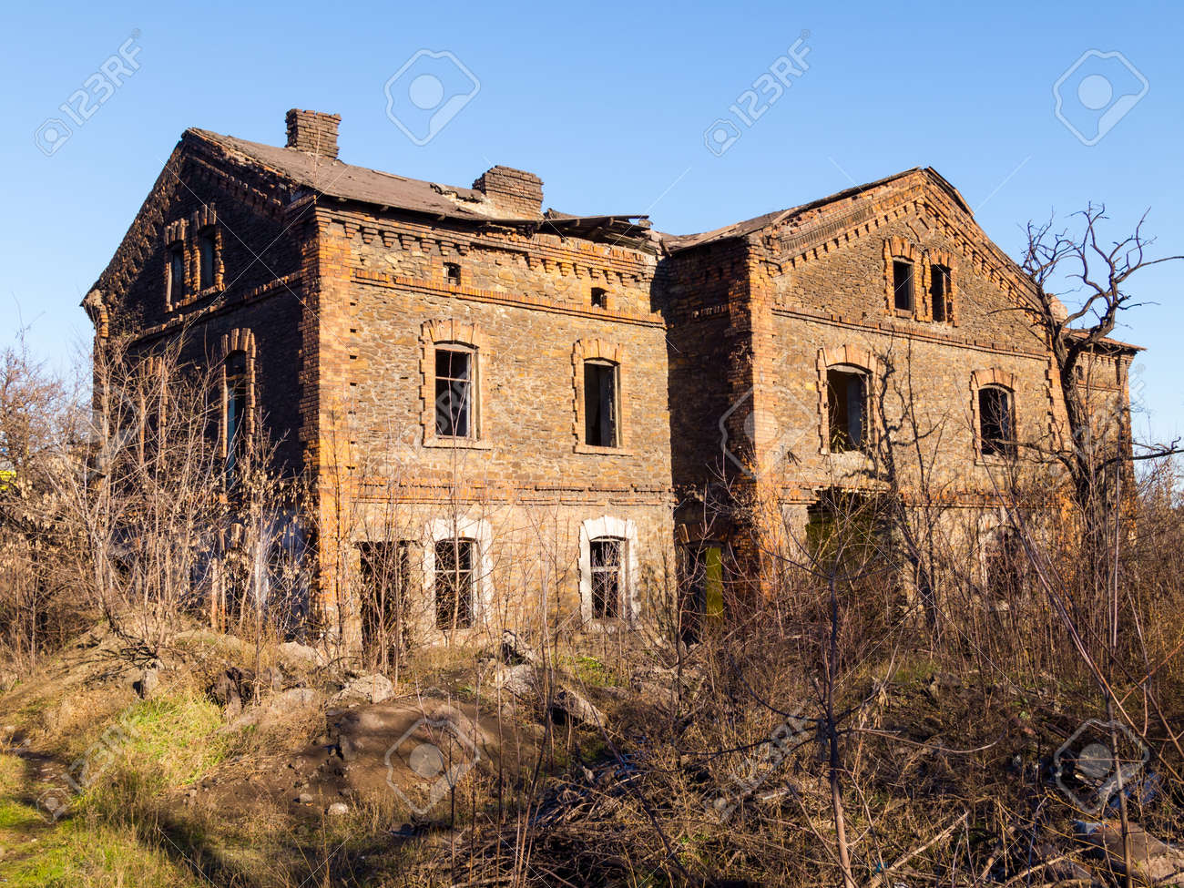 Old Abandoned Brick Apartment Building Built In The Early Xx Century Stock Photo 24757953
