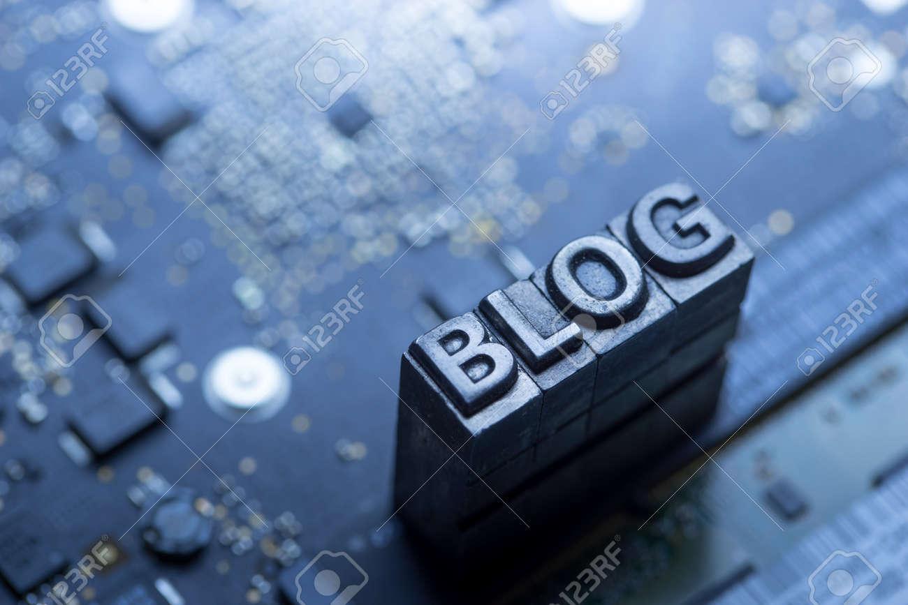 Social media & Blog icon by letterpress - 43430445