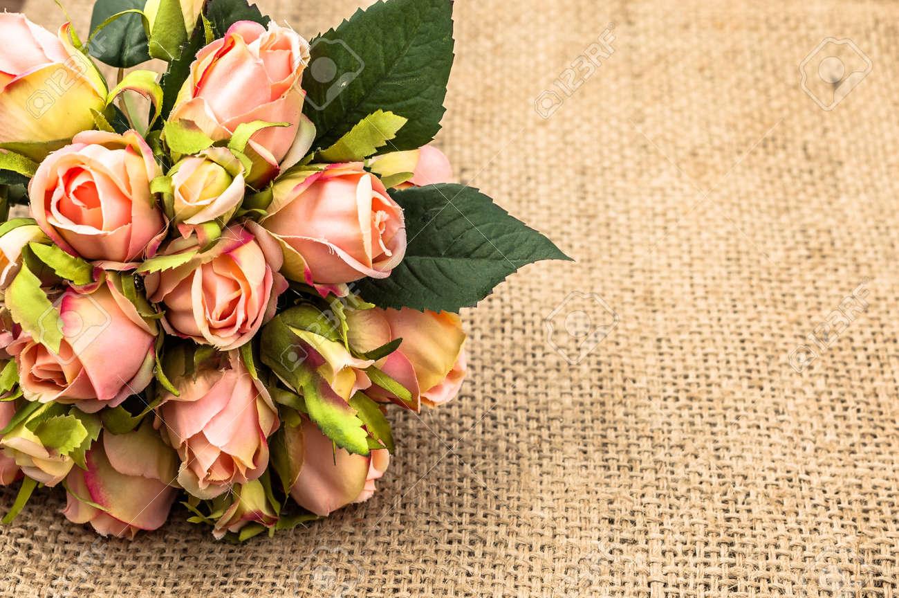 6518da8d37991 Foto de archivo - Ramo de rosas para la tarjeta del día de San Valentín