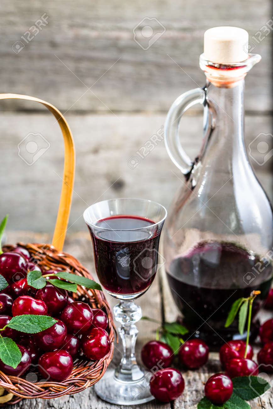 Tincture of cherries on vodka - cooking at home 92
