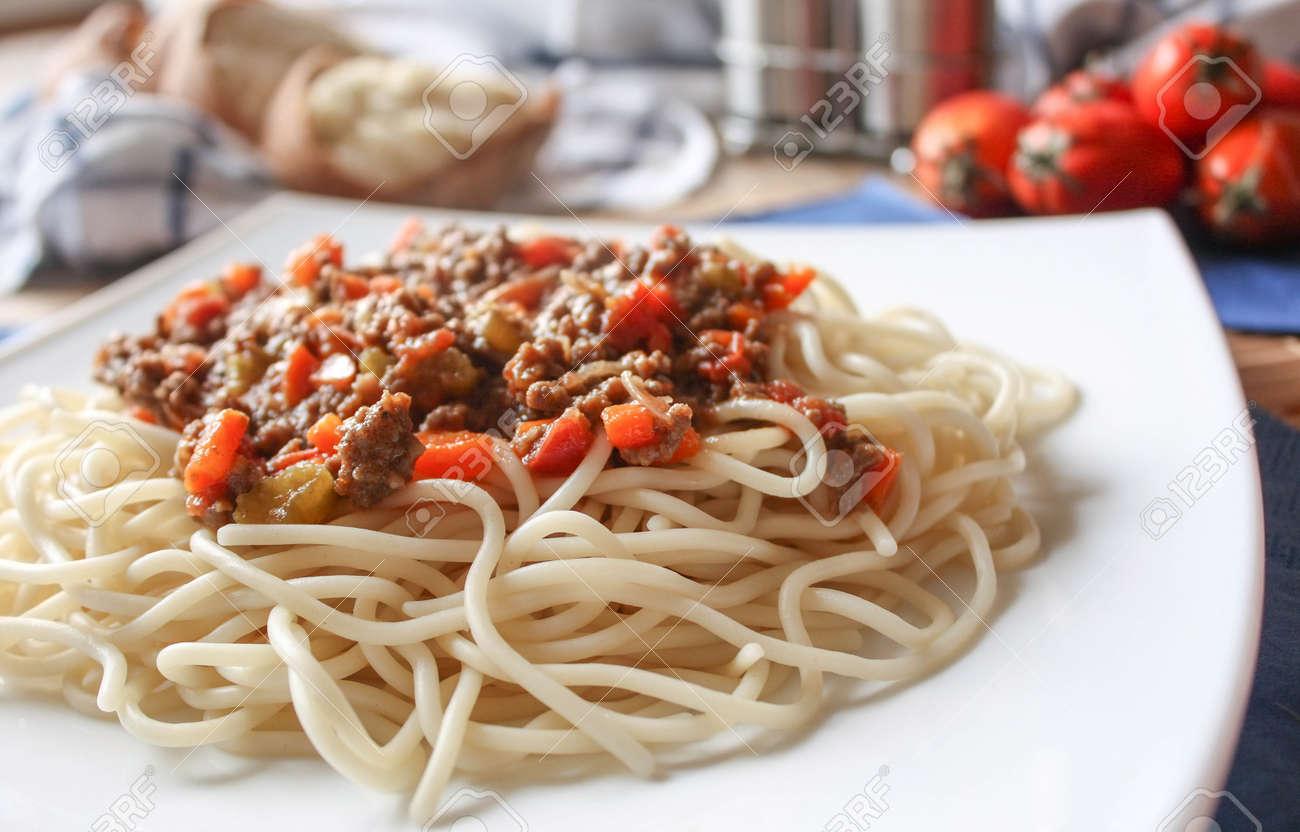 spaghetti bolognese Stock Photo - 18079382
