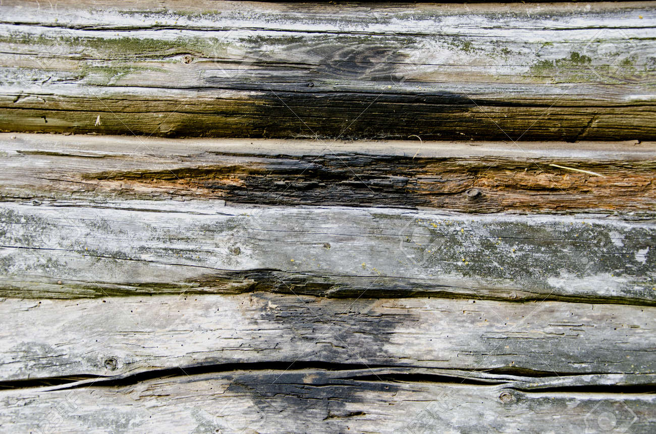 old and grunge wooden log wall background Stock Photo - 14789282