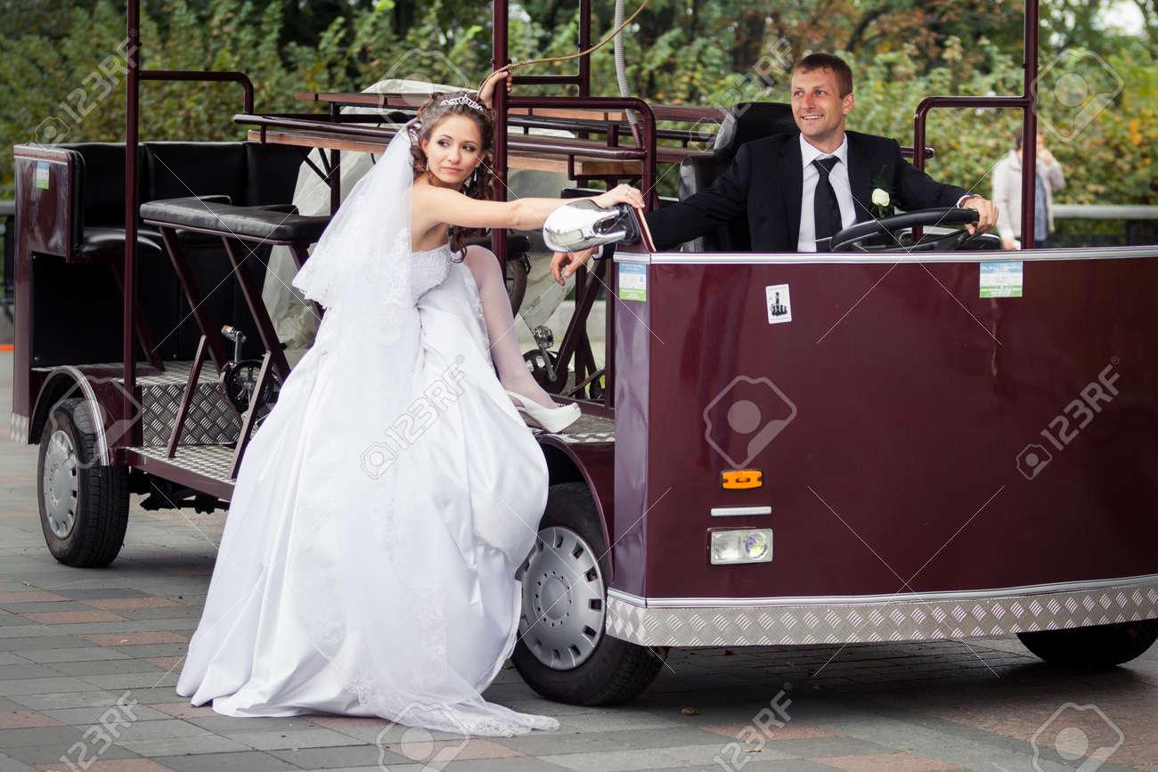 Tolle Wie Viel Sind Pronovias Hochzeit Kittel Bilder - Brautkleider ...