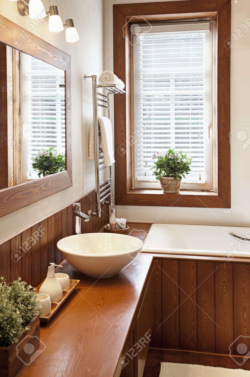 Photo of a contemporary residential home bathroom - 19629549