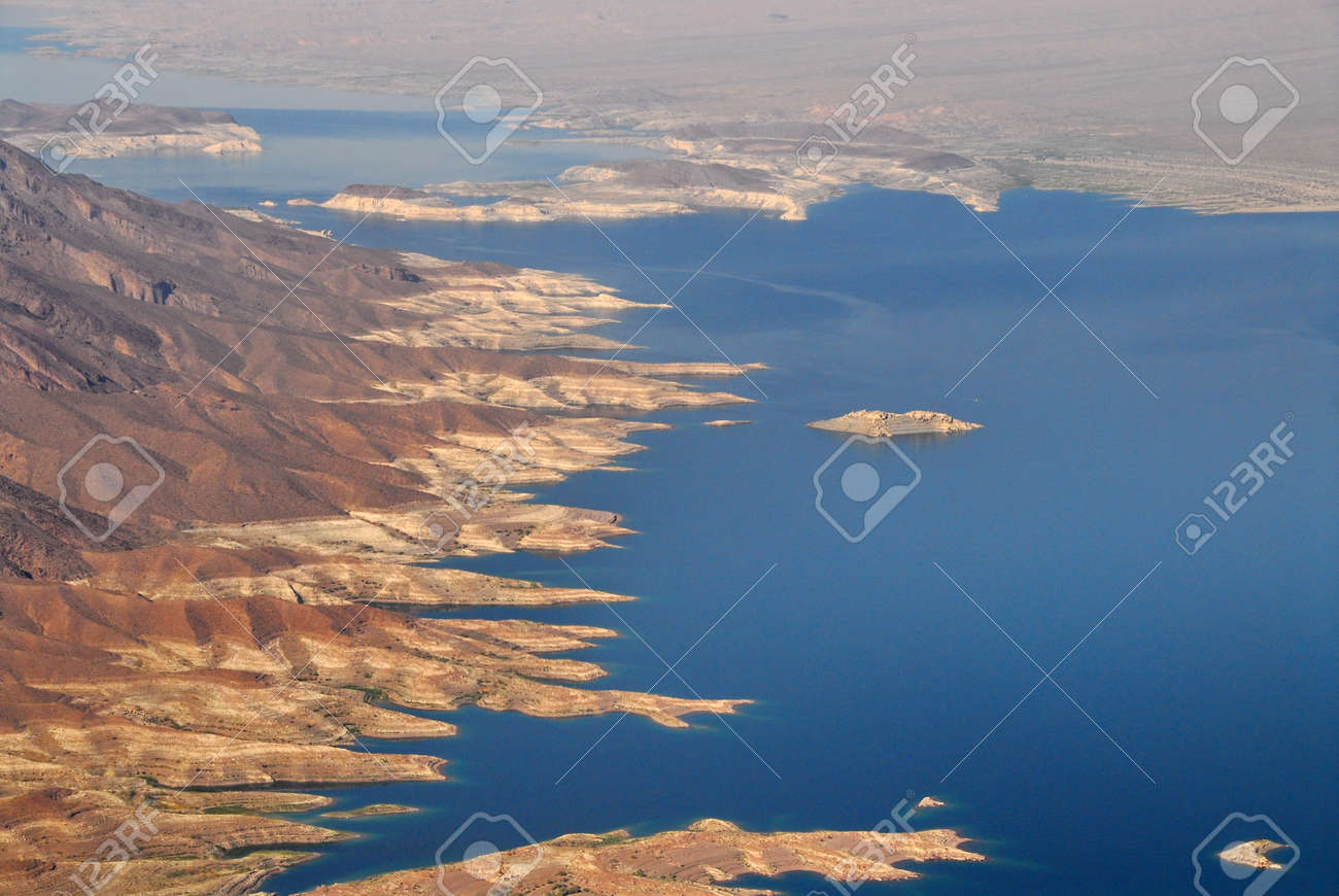 Aerial view of Hoover Dam and the Colorado River Bridge - 96586862