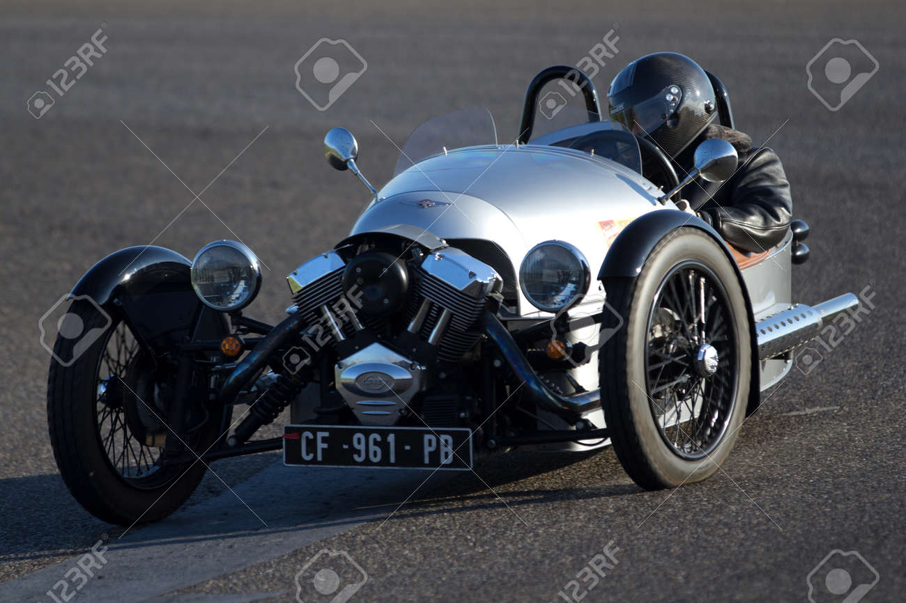 Circuito Nogaro : Nogaro france october a very strange old bright grey