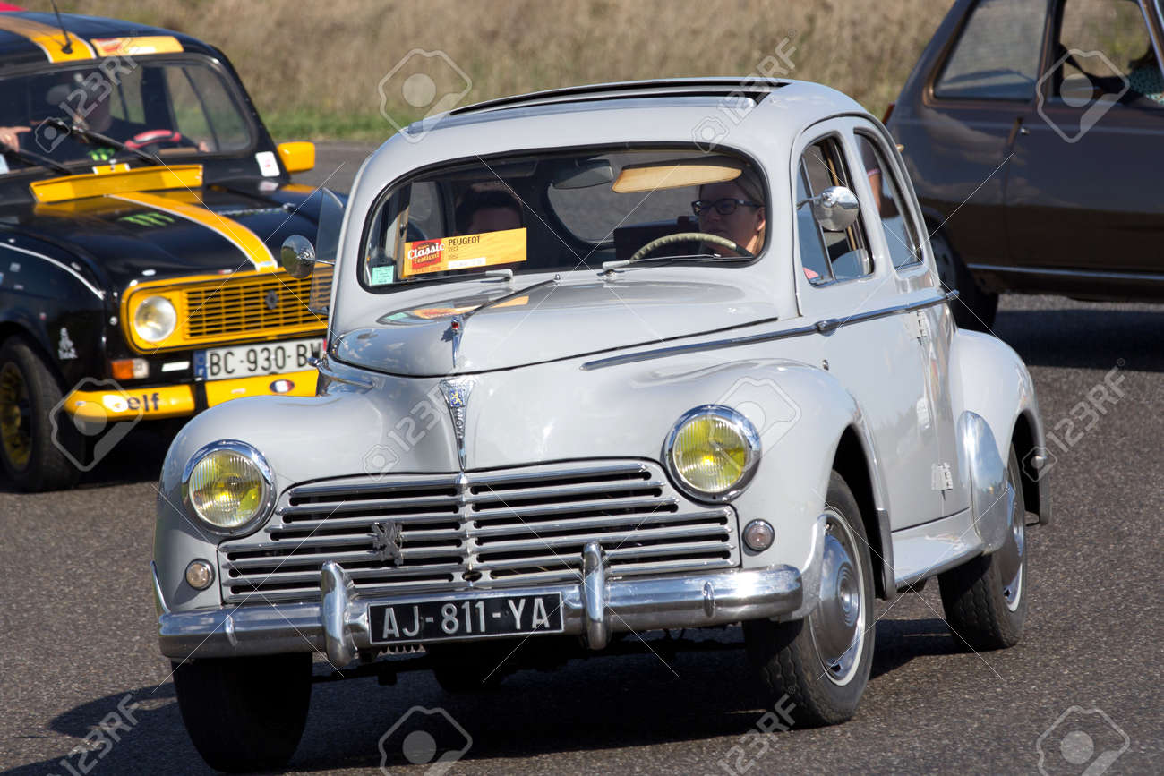 Nogaro France October 9 2016 Old Peugeot 203 Going Fast Stock Connect On A