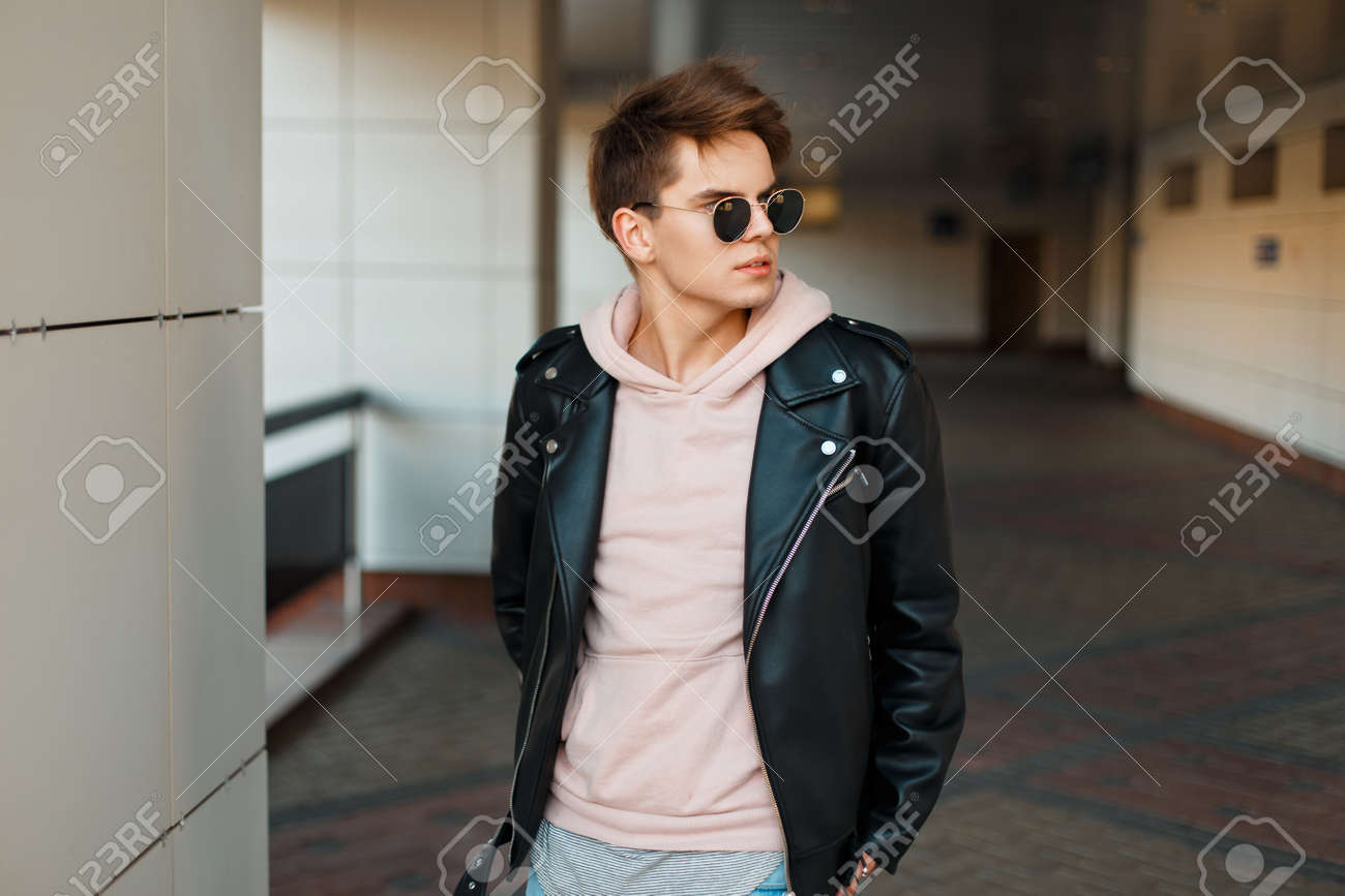 Handsome In A Sunglasses Man Aviator Leather Jacket Young Black 0m8nyvOPNw