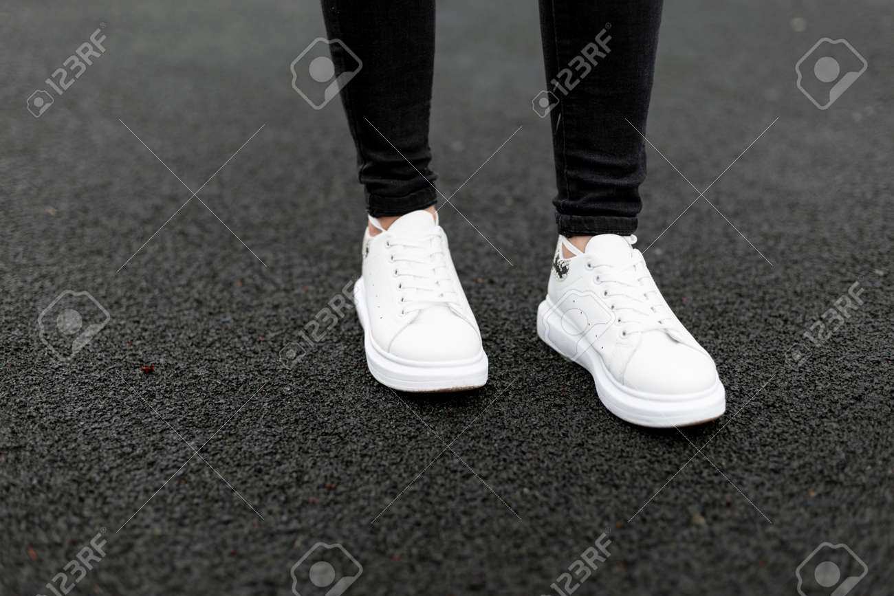 Fashionable White Leather Sneakers