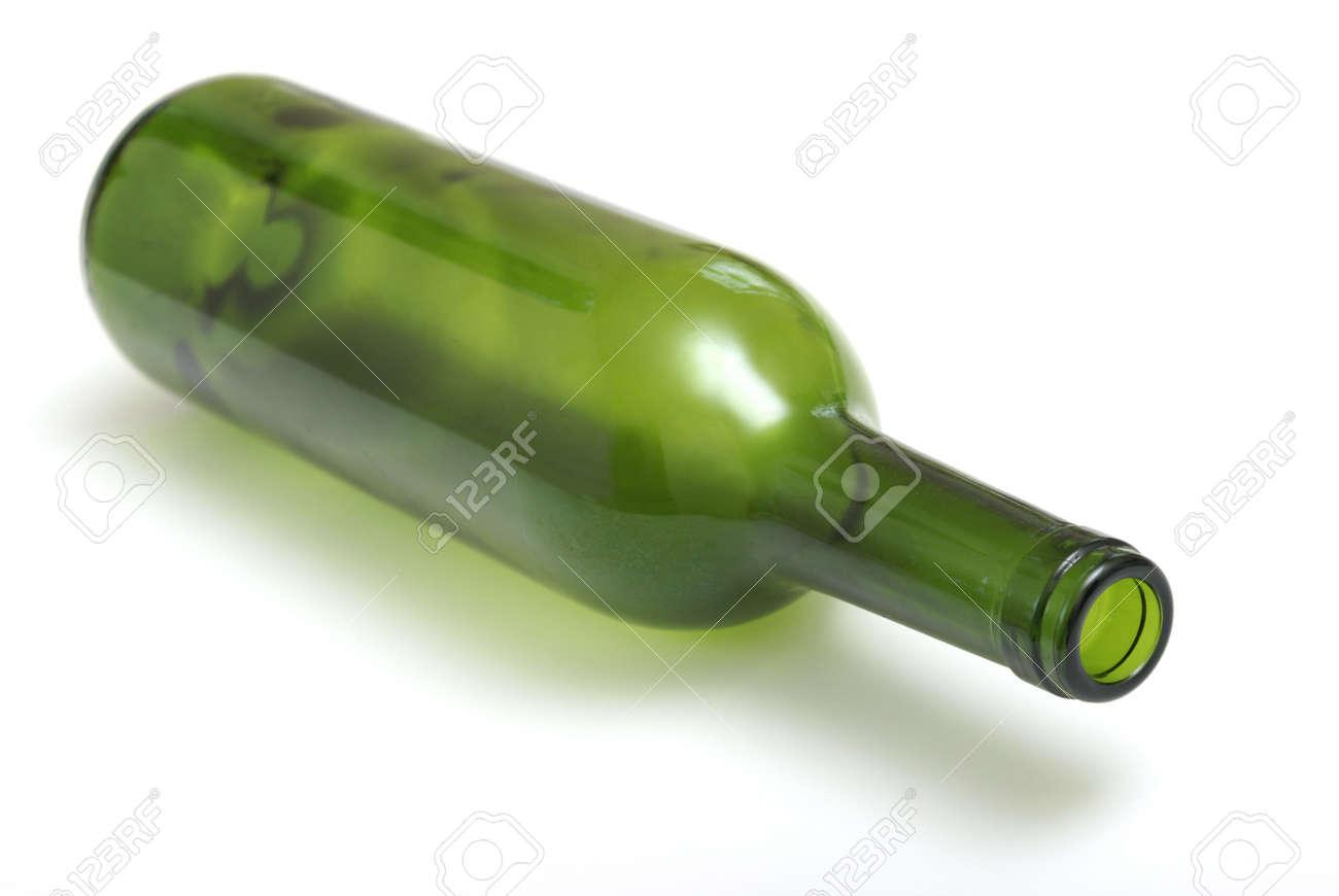 Delightful Bouteille De Vin Vide #13: Une Bouteille De Vin Vide Pose De Son Côté. Banque Du0027images - 5355737