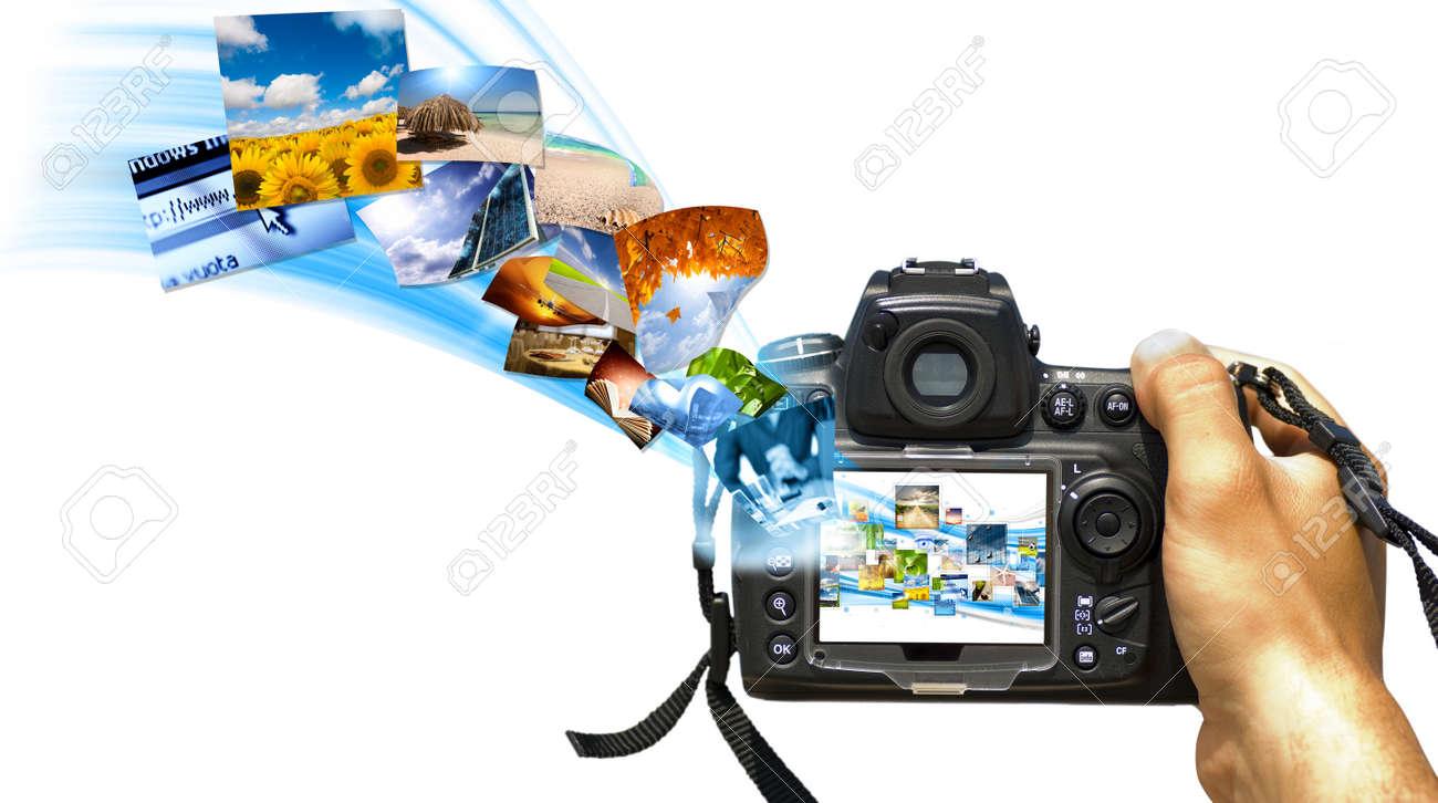 A reflex with photo stream on display - 8365496