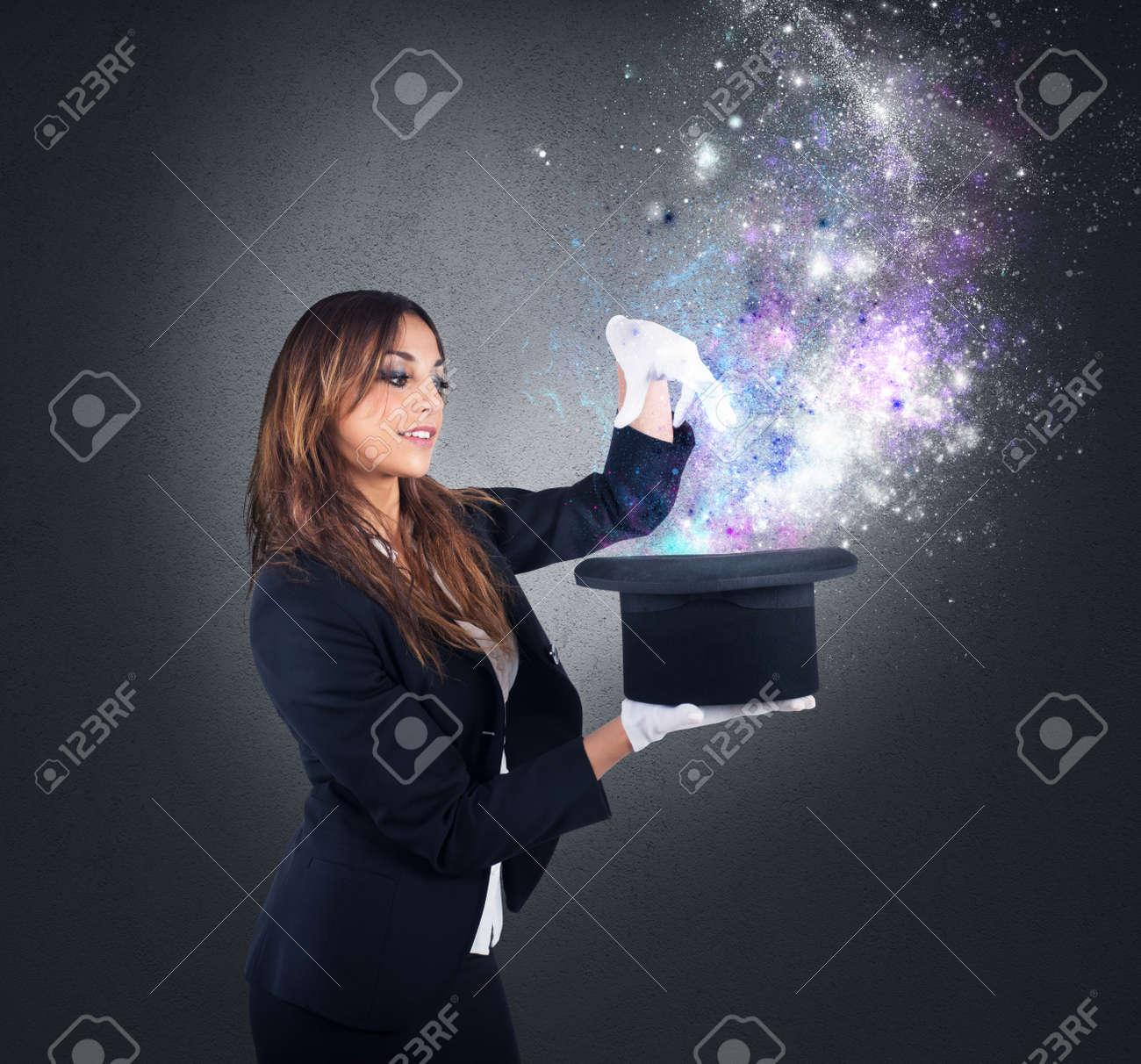 Woman magician Nude Photos 37