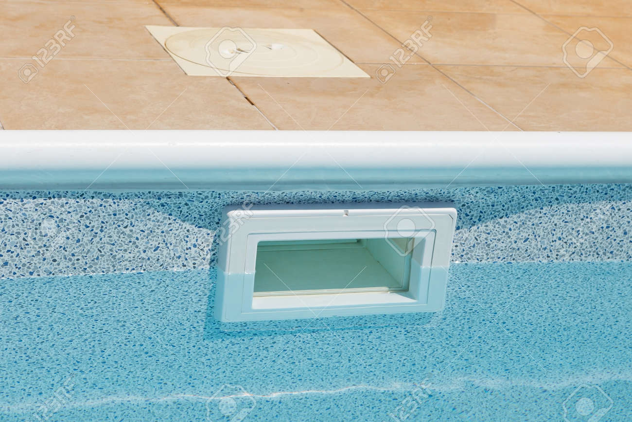 Water Leveling Wide Mouth Above Ground Skimmer Pool Water