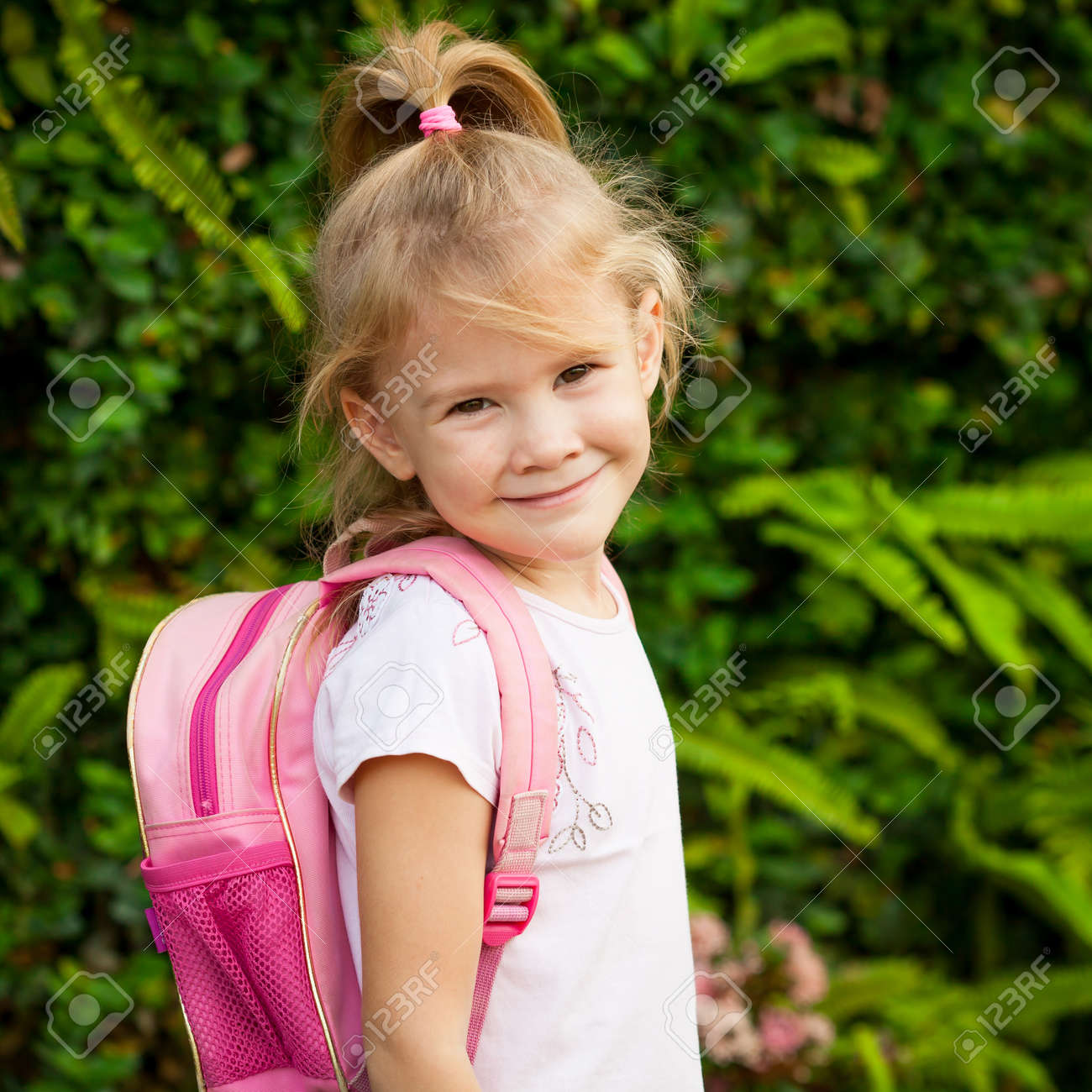Young little girl pic school images 49