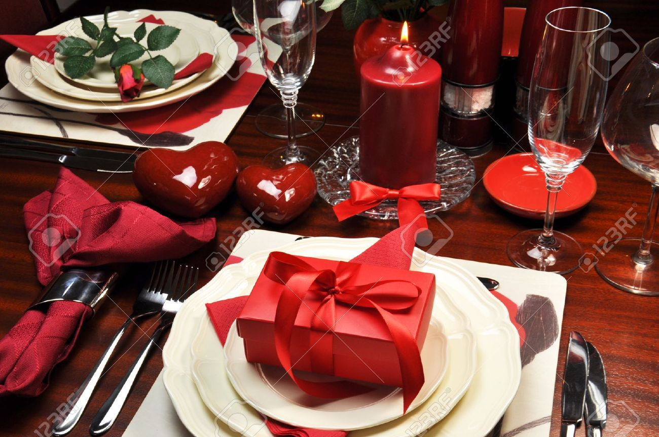 Red romantic Valentine dinner for two table setting. Stock Photo - 16803367 & Red Romantic Valentine Dinner For Two Table Setting. Stock Photo ...